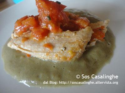 Ricetta Petto di tacchino al pomodoro con salsa ai carciofi